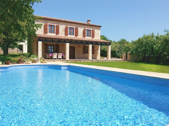 Delightful Villa and refreshing pool in Istria