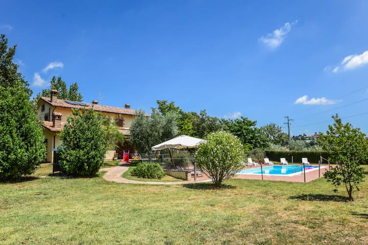 Villa with private pool 1 km from village
