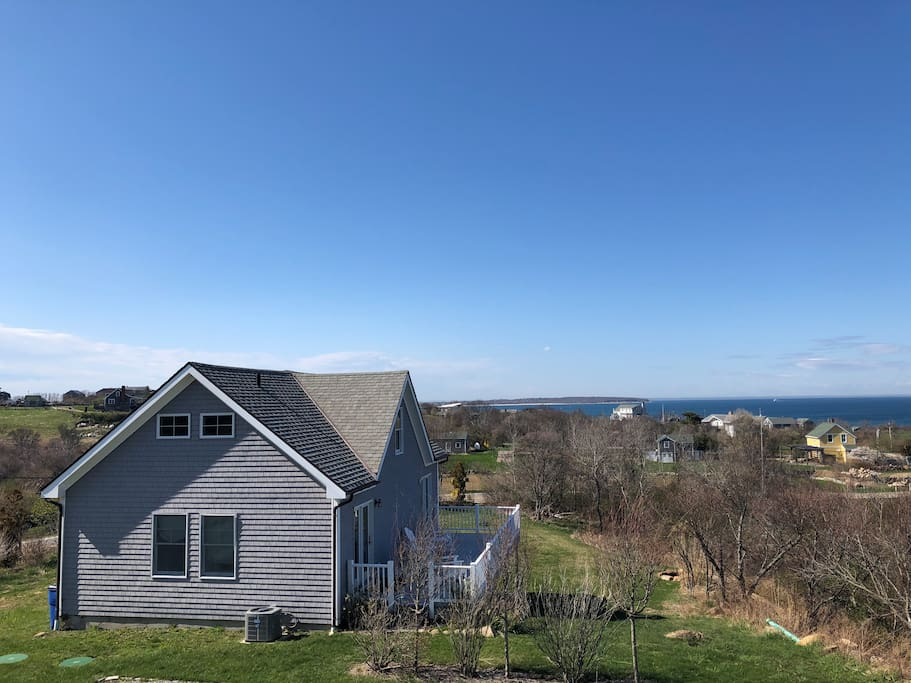 Lovely home on block island ocean views big lawn for Block island cottage