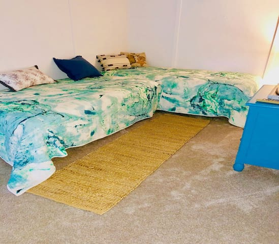 Large loft area with two twin beds