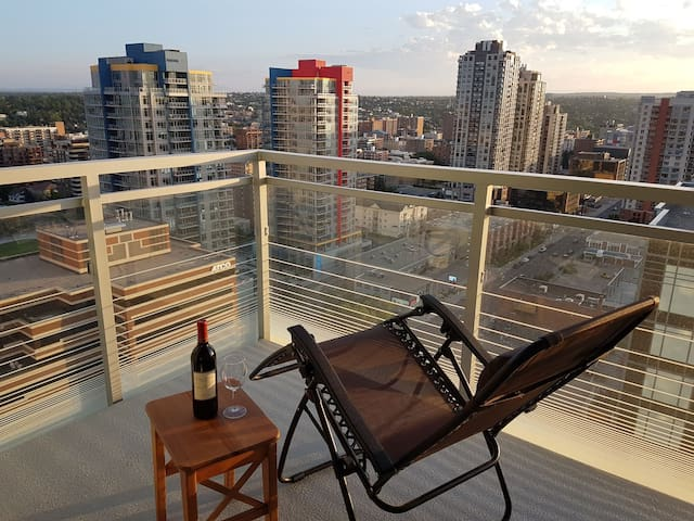 Condo with a Rooftop Hot Tub