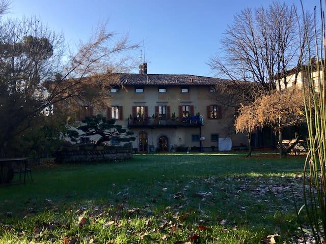 Lacasadiscorta M (8 km da Bergamo) - Almè