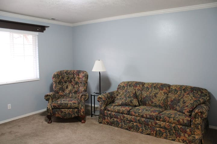 Family Room w/smart TV and sleeper sofa