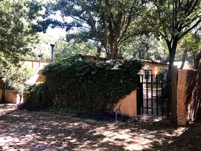 Junie Moon's Farm  Cottage