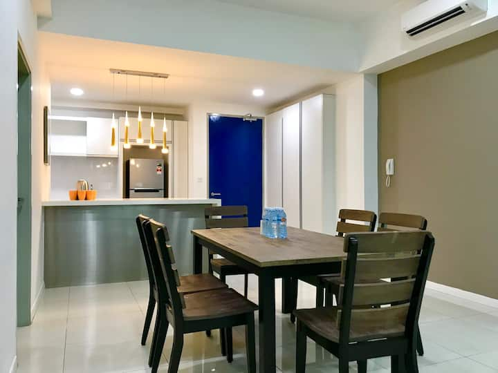 Infinity Avenue Modern & Comfortable Superior 2 Bedrooms Apartment (6 pax) S63