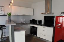 NICE FLAT-CLOSE TO BEACHES and OLD TOWN-Sea view