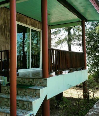 House on Zen Beach - 5 metras from Sea. Sri Thanu!