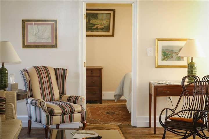 Light Horse Inn: Suite 3