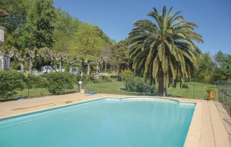 Semi-Detached with 4 bedrooms on 150 m² in Marseillette