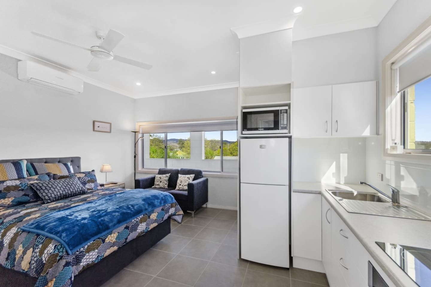 Coolah Shorts - Valley View Apartment