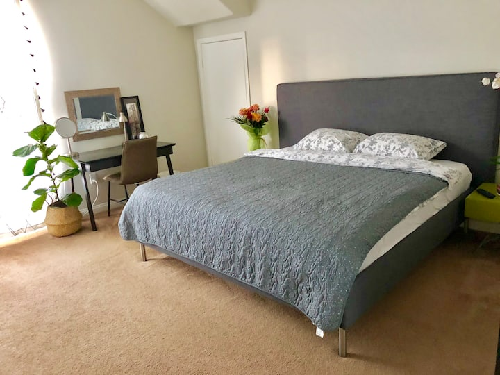 Master bedroom near Santa Monica