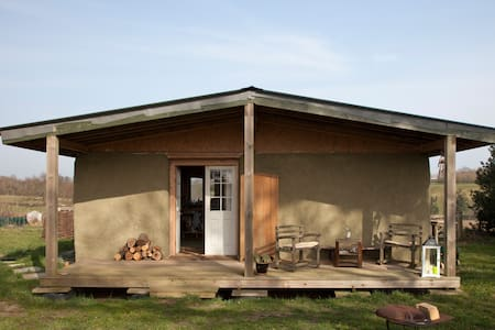 Charming straw self build chalet - Ringsfield - Jordhytte