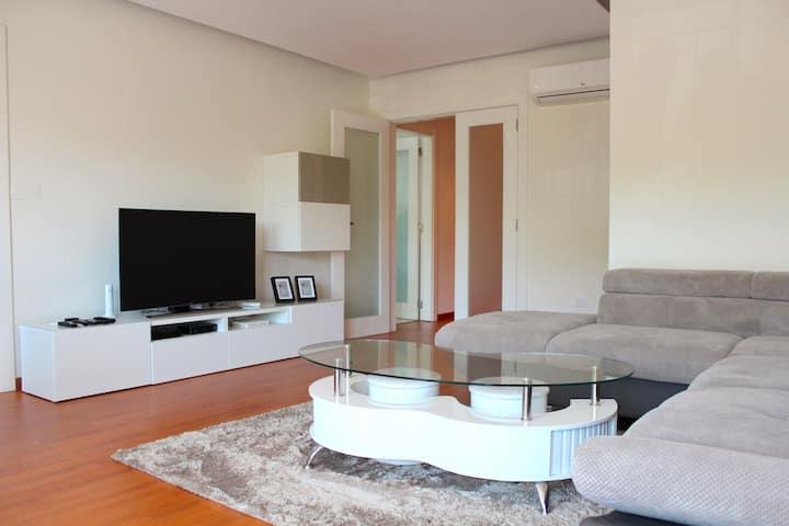 Abaca Apartment, Damaia, Lisbon