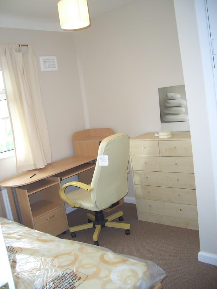 Single room - Uni of Notts & QMC close by