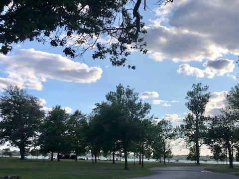 Riverside apt near Downtown Buffalo, Niagara Falls