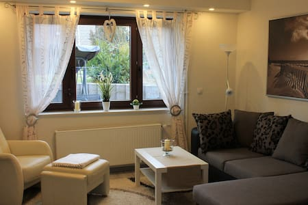 Apartment bei Kassel nahe A7, WLAN - Niestetal - Leilighet
