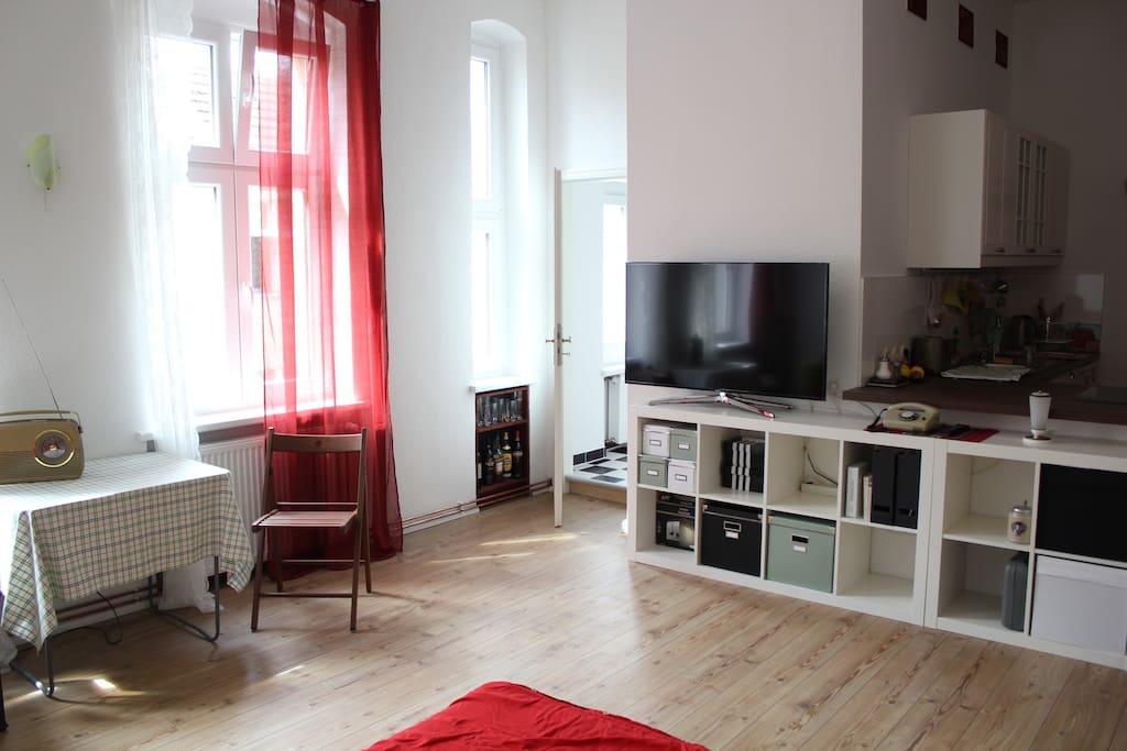 studio nk beim tempelhofer feld wohnungen zur miete in berlin berlin deutschland. Black Bedroom Furniture Sets. Home Design Ideas