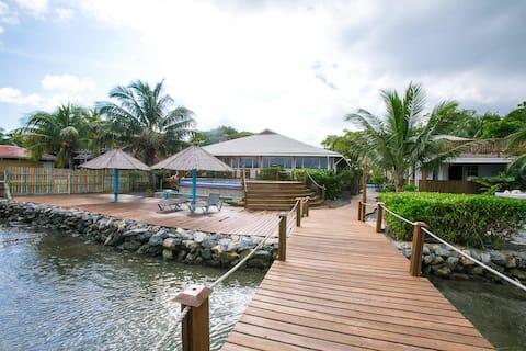 Wikkid Resort - Sea View Room