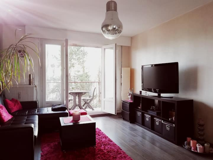 Spacieux appartement 2chambres parking + balcon