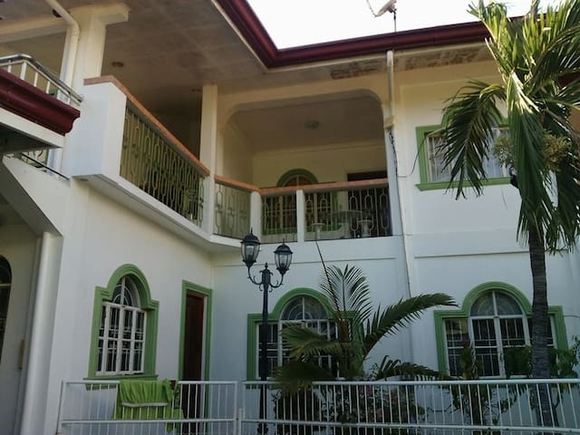 The accommodation is an apartment. - San Fernando City,La Union - Daire