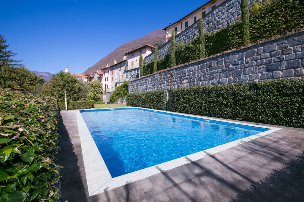 Residential pool (12 apartments)