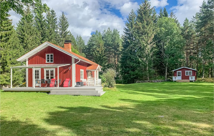 Awesome home in Västervik with 4 Bedrooms