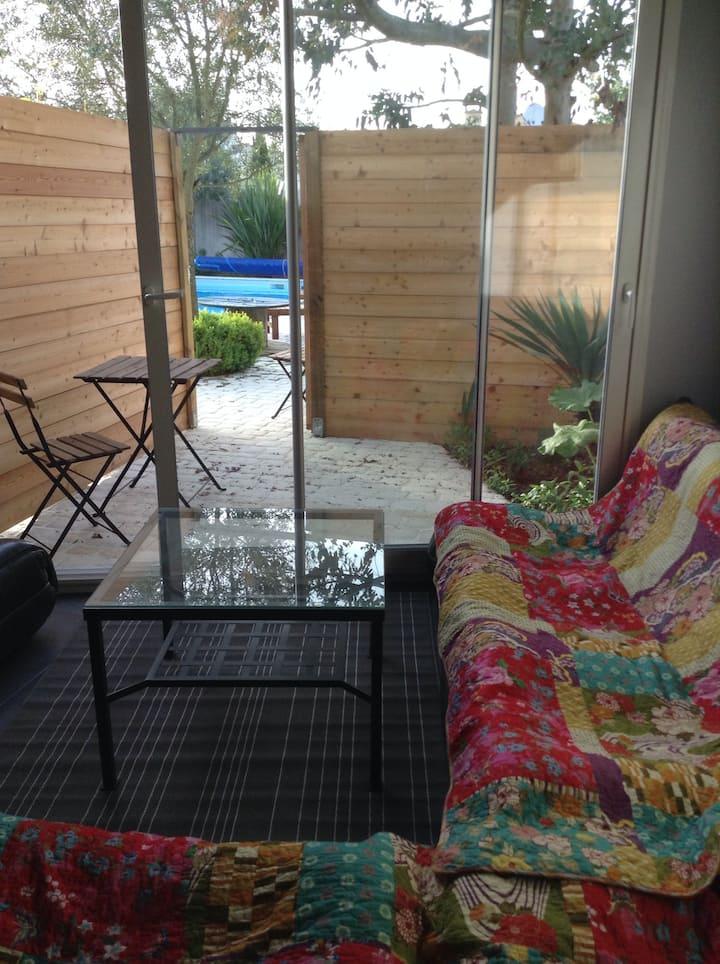 Grand studio  piscine chauffée (2 nuits minimum)