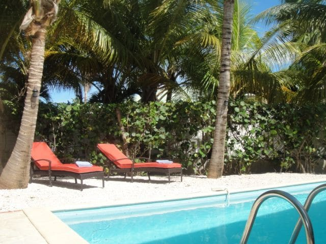 Nice Villa for 6 Orient Bay Beach