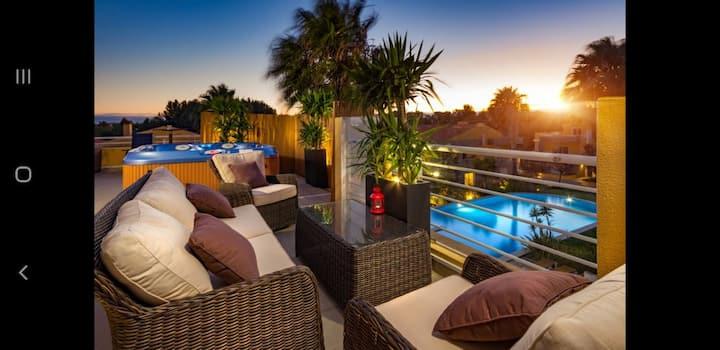 Penthouse Duplex Rooftop Jacuzzi 4 Room 6 bed 8ppl
