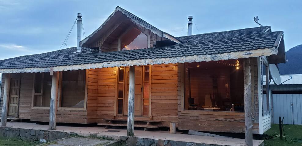 Hermosa casa de campo a pocos min de Pto Cisnes