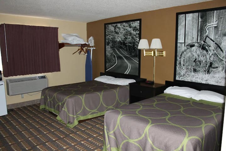 Sky-Palace Inn & Suites Stillwater - 2 Double Bed Non-Smoking