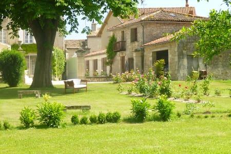 beautiful property XIXth century - Chef-Boutonne