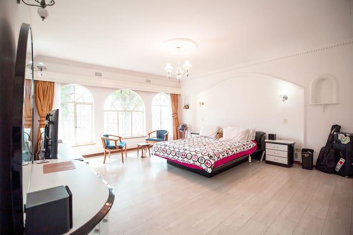 ♡ Spacious Villa Suite ♡ Private Ensuite