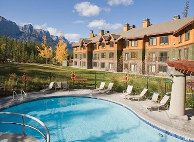 2bdm Condo-sleeps6-Banff-WorlMark Resort