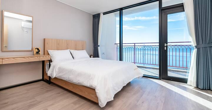 여수골드비치리조트(8인실, 침실1+거실)