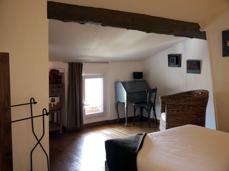 L 39 hostalet chambre mansard e chambres d 39 h tes louer - Argeles sur mer chambre d hote ...