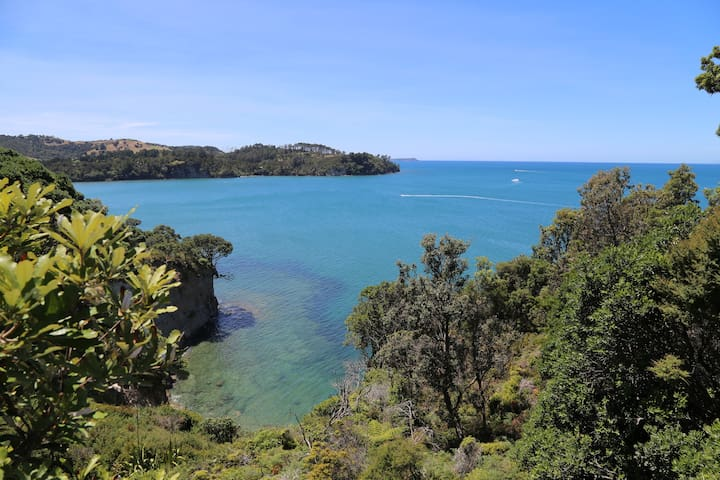Orewa Cliff Top Holiday Home - Orewa - Villa