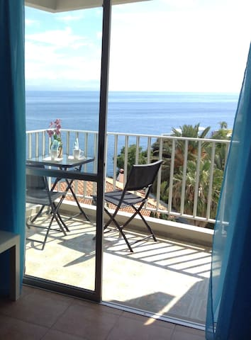 Bright Seafront Apartment - Funchal - Byt