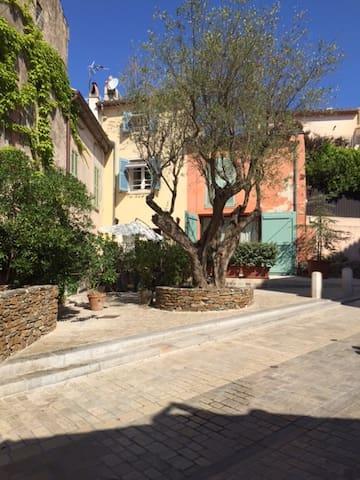 Fischerhaus im Herzen von Saint Tropez - Saint-Tropez - Rumah