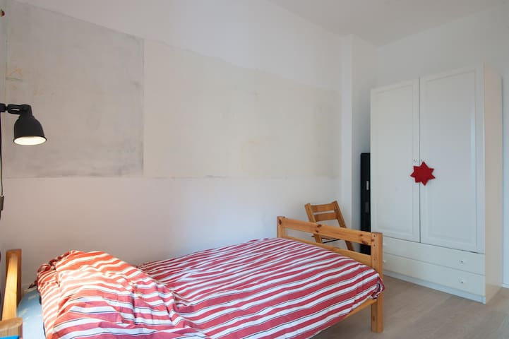 Bedroom (1st floor)