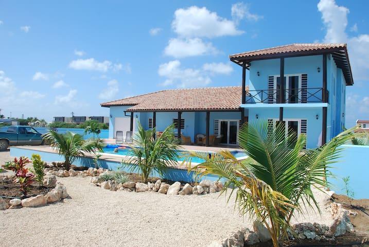 Poolvilla Cool Blue