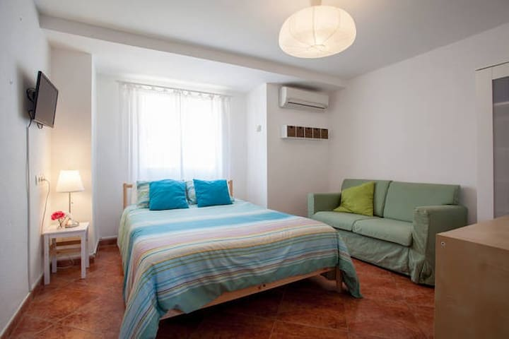 RBA:DOUBLE ROOM @ Bed&Breakfast, WIFI+POOL - Torrent