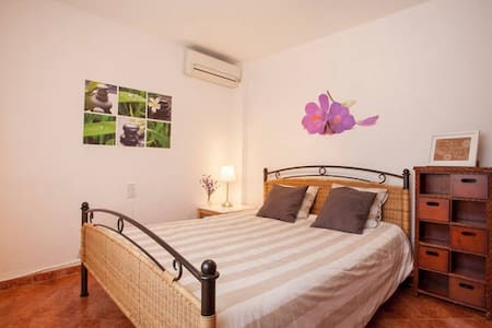 RBB:DOUBLE ROOM @ Bed&Breakfast, WIFI+POOL - Torrent