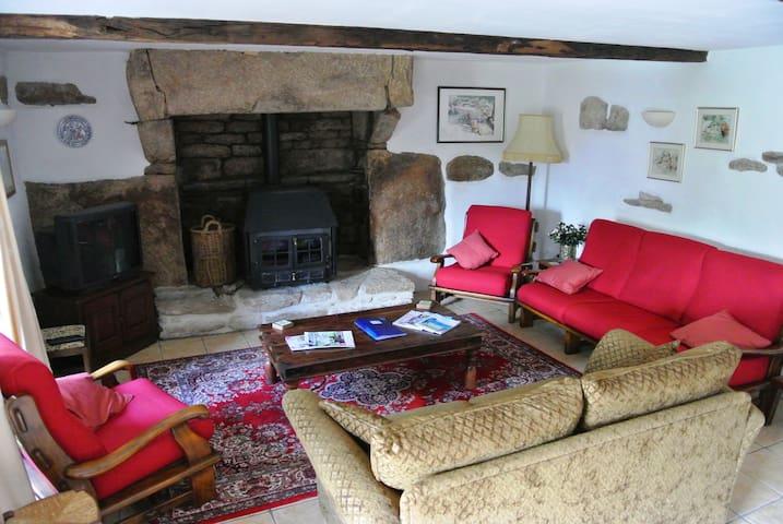 Lodge Lounge & Fireplace