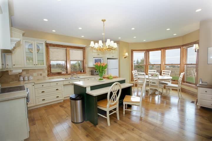 Niagara Vineyard Estate House
