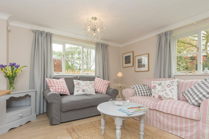 Comfortable and warm cottage, close to Beccles