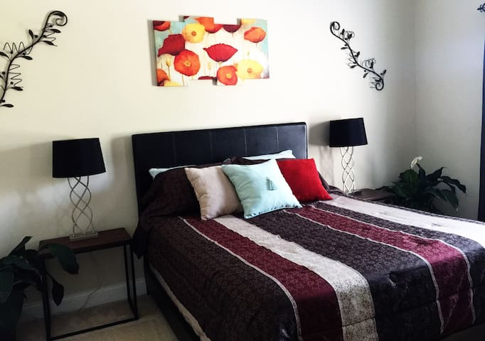Private Queen Bed, Bath & Living Room! - Ooltewah - Dům