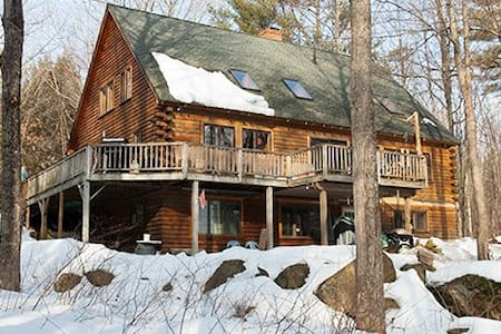 Quiet room in log cabin home. - Moultonborough - Kabin