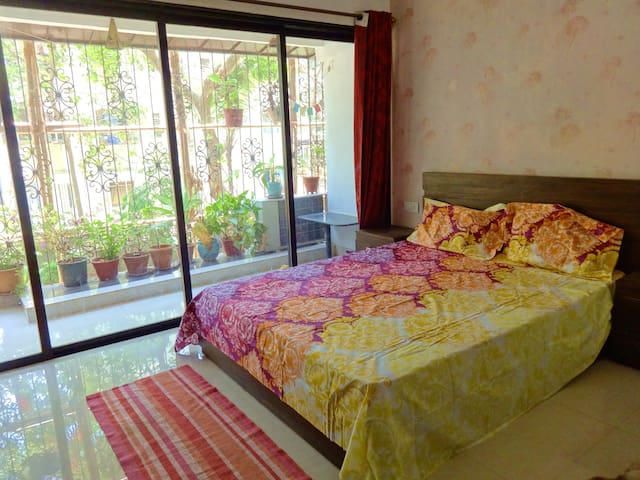 ❣CHIC & COZY Private ROOM near BEACH+BALCONY+WiFi❣