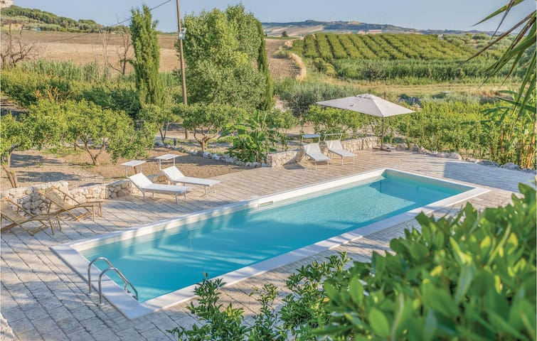 Holiday cottage with 4 bedrooms on 180 m² in Naro (AG)